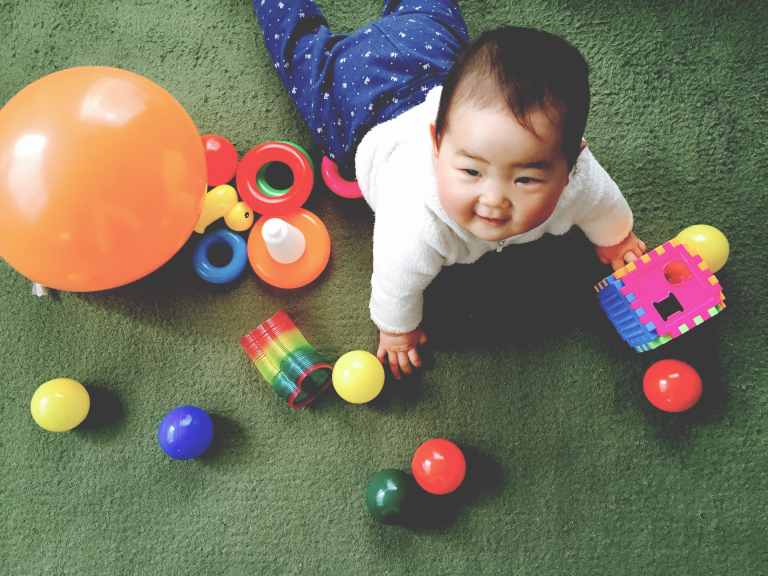 0歳児の赤ちゃんに買ったダイソーとセリアのおもちゃ9選