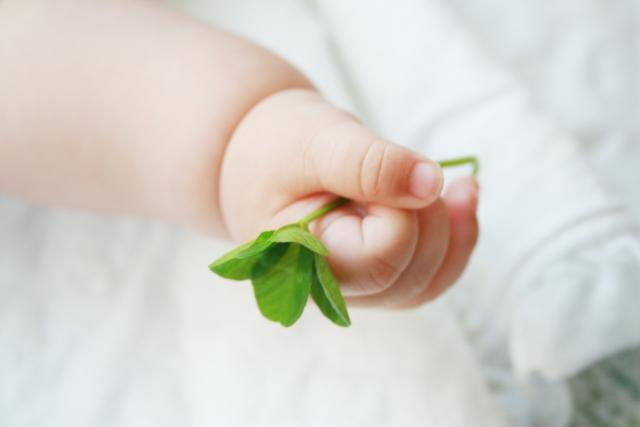 1歳頃の卒乳体験!私の卒乳の方法や卒乳後のケアについて